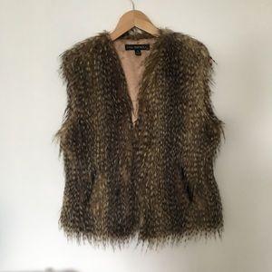 Via Spiga Faux Fur Vest Size S